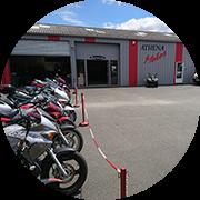 Article garage moto Athena Motos