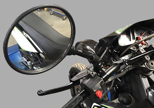 Retro rundes Universalmotorrad, Roller und Cyclo