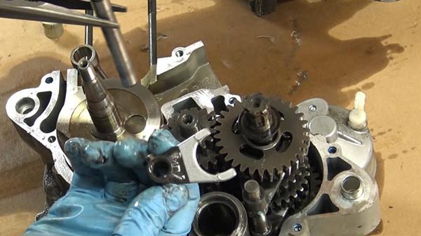 125 CC Suzuki RV 125 M 1975 Gear Change Oil Seal